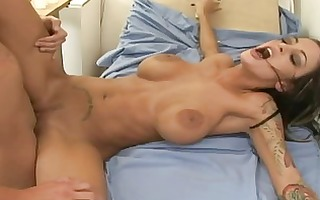 stunnung breasty brunette doctor getting bawdy