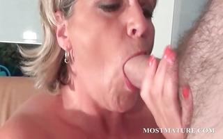 older hawt mom loves to sucks cock