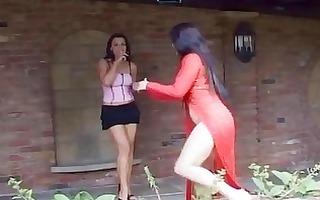dark brown lesbian babes share wet crack licking