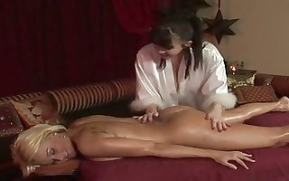 gull body to body lesbo massage with cheerful
