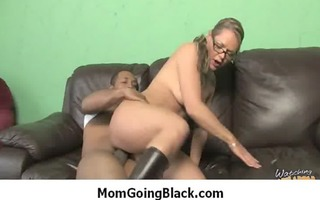 momgoingblack.com - milf fucked by dark 10