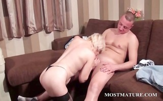 hot mature takes wang in face hole and snatch