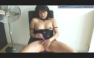 latin plays with sex toy in her cameltoe