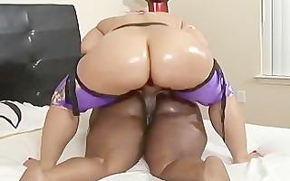 pinky presents mz butt - scene 5