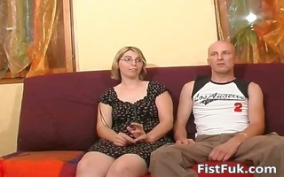 blond mother i shows her large melons and wet